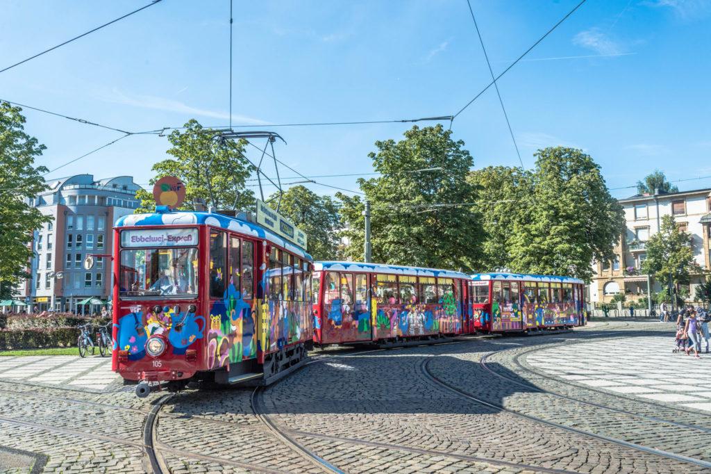 Ebbelwei-Expreß am Frankfurter Zoo