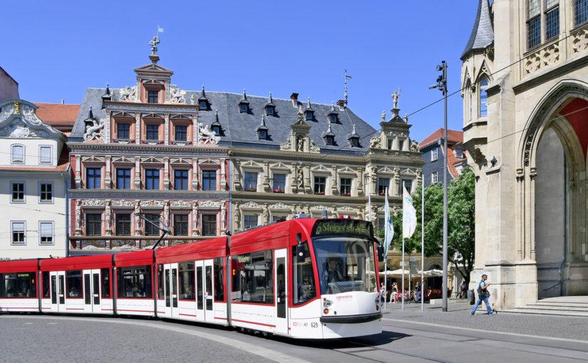 13.12. Altstadt und Straßenbahn Seite an Seite