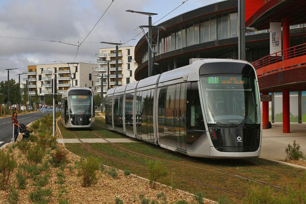 Straßenbahn Caen Wohnbebauung