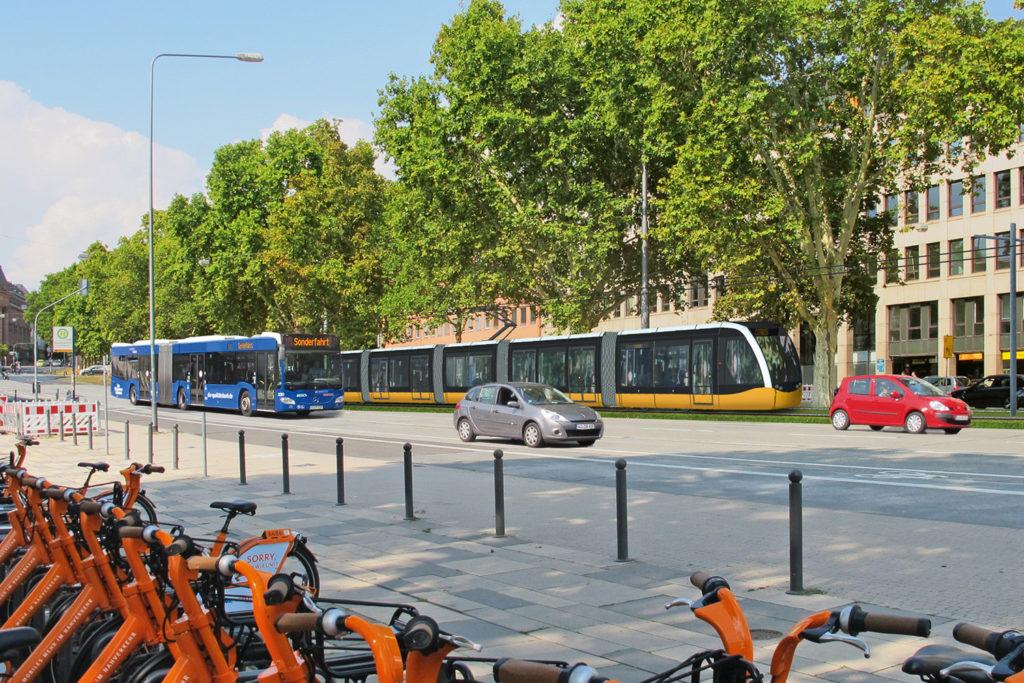 Fotomontage Citybahn auf Kaiser-Friedrich-Ring