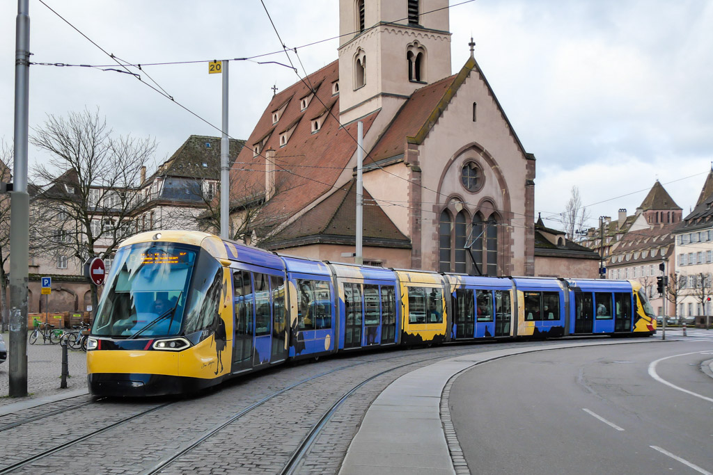 Straßenbahn Strasbourg mit Motiven Tomi Ungerer