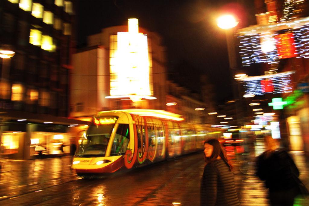 Tram Strasbourg mit Gestaltung Luc Schuiten